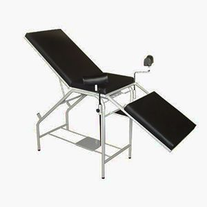 Mesa-para-exame-ginecologico-simples-estofada